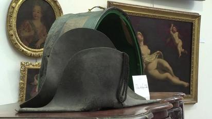 Video thumbnail for MMD-Pagan 350.000 euros por sombrero de Napoleón  recuperado en 1815 f98122446957